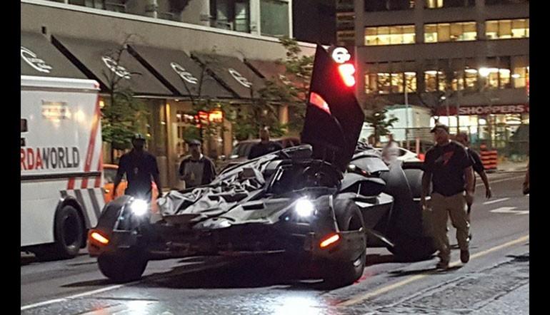 Suicide-Squad-Batmobile-770x442