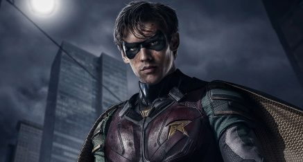 Edgy Robin Curses Batman in Titans TV Show Trailer